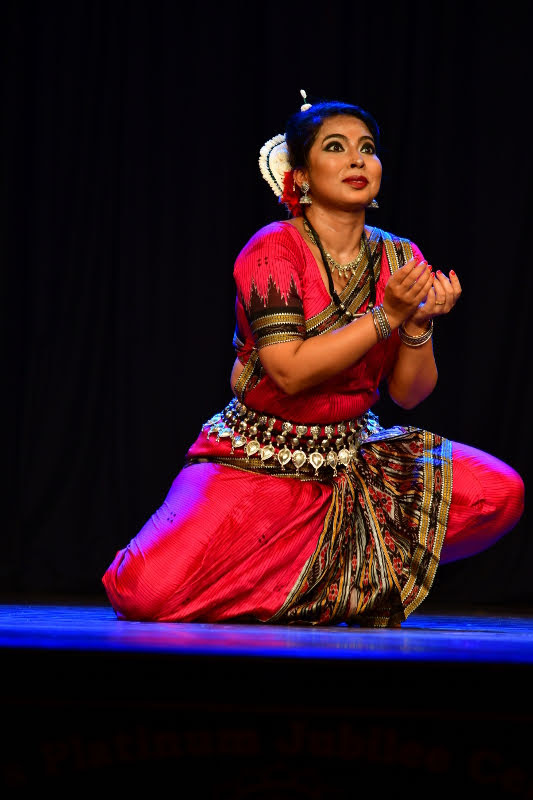 Odissi dance by Srinwanti