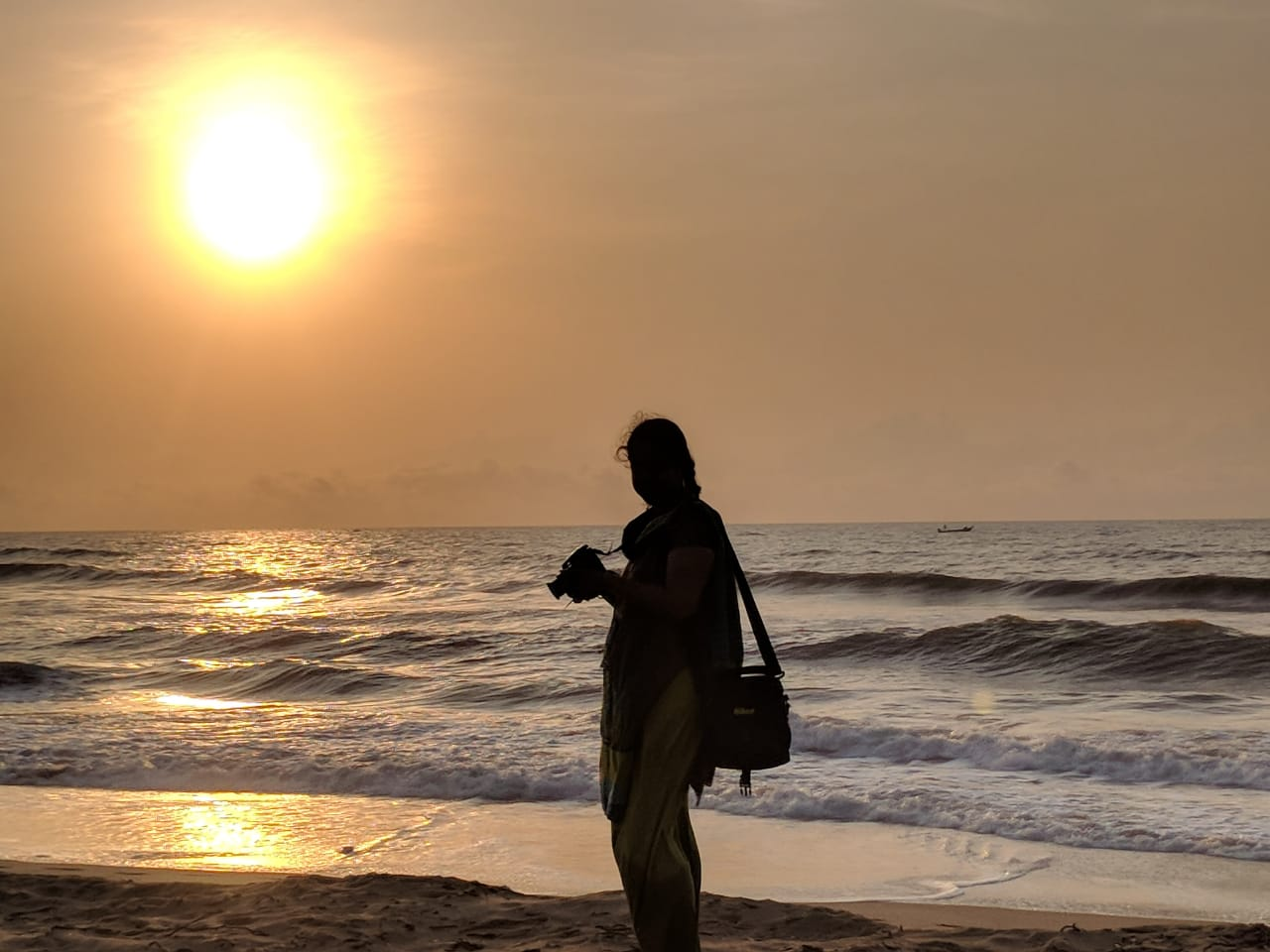 Solitude Silhoutte - Good Morning Madras!